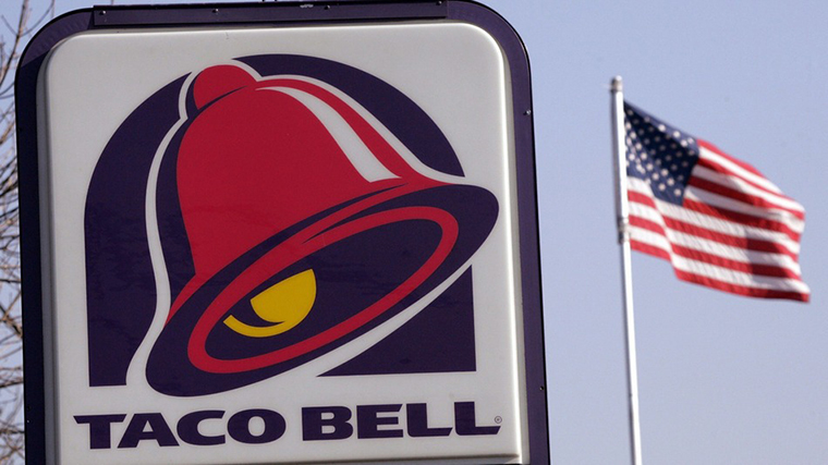 Taco Bell Employee Licks Taco Shells, Causes Social Media Nightmare
