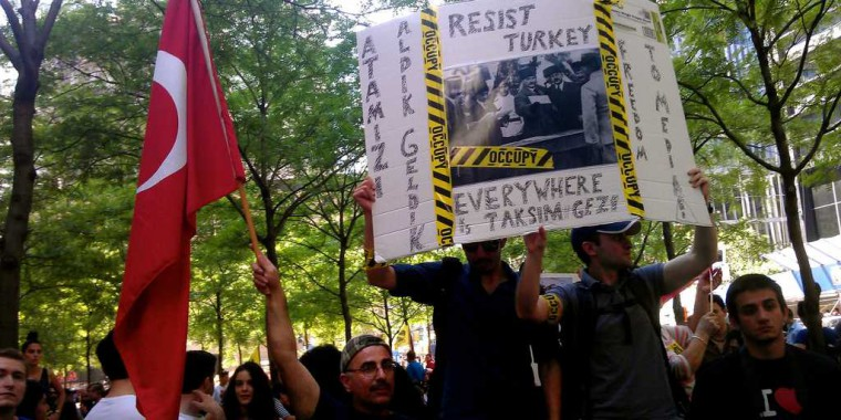 Turkish protesters use Indiegogo to buy space in the New York Times